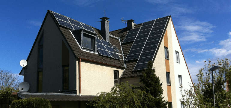 solar_battery_storage_system_cost